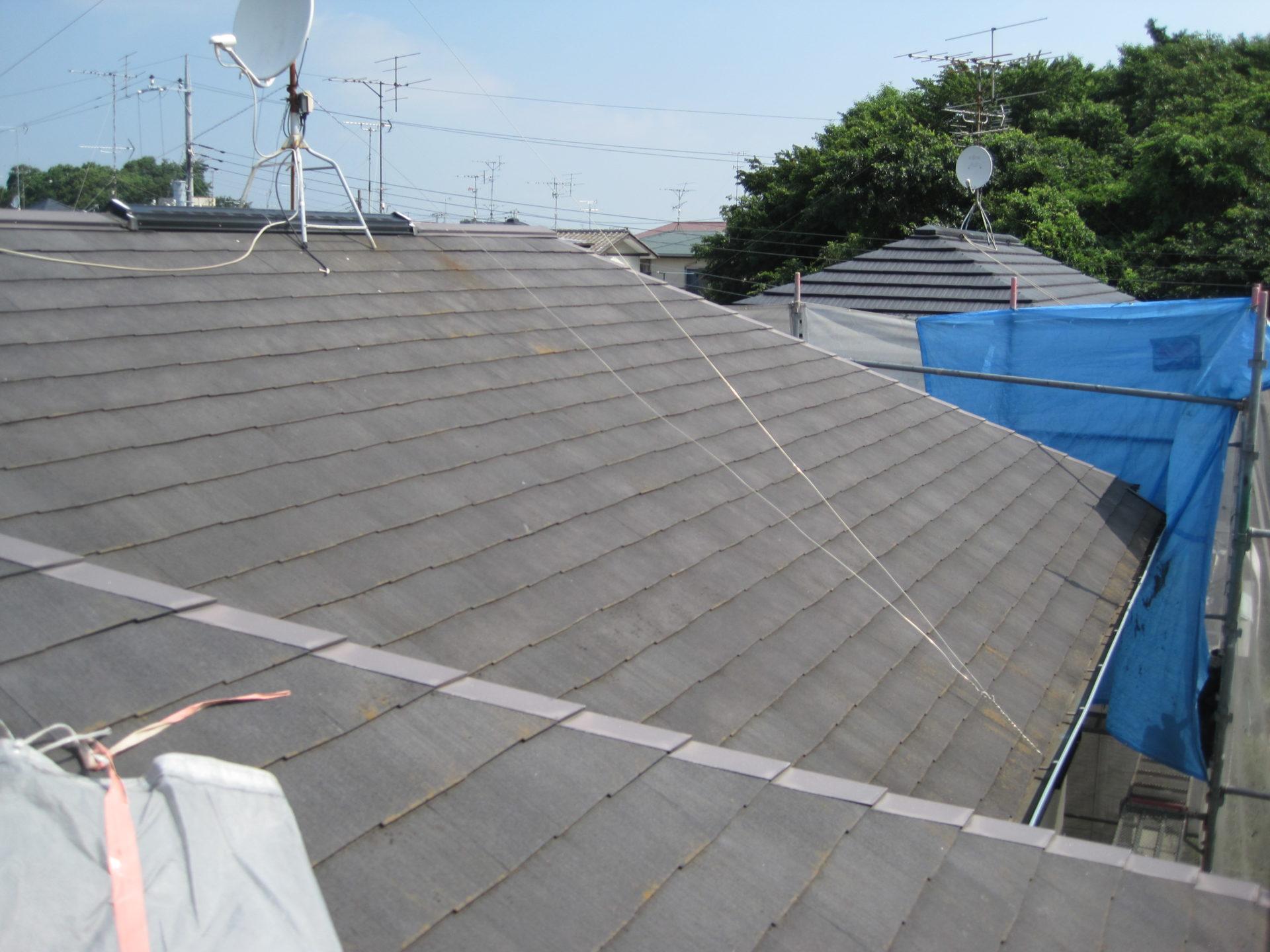 既存屋根高圧洗浄後の画像